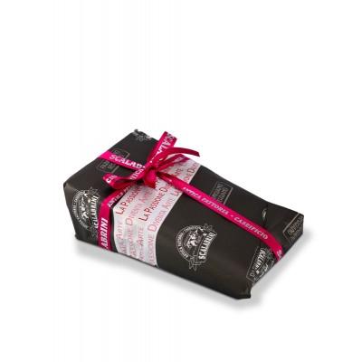 Confezione in carta regalo